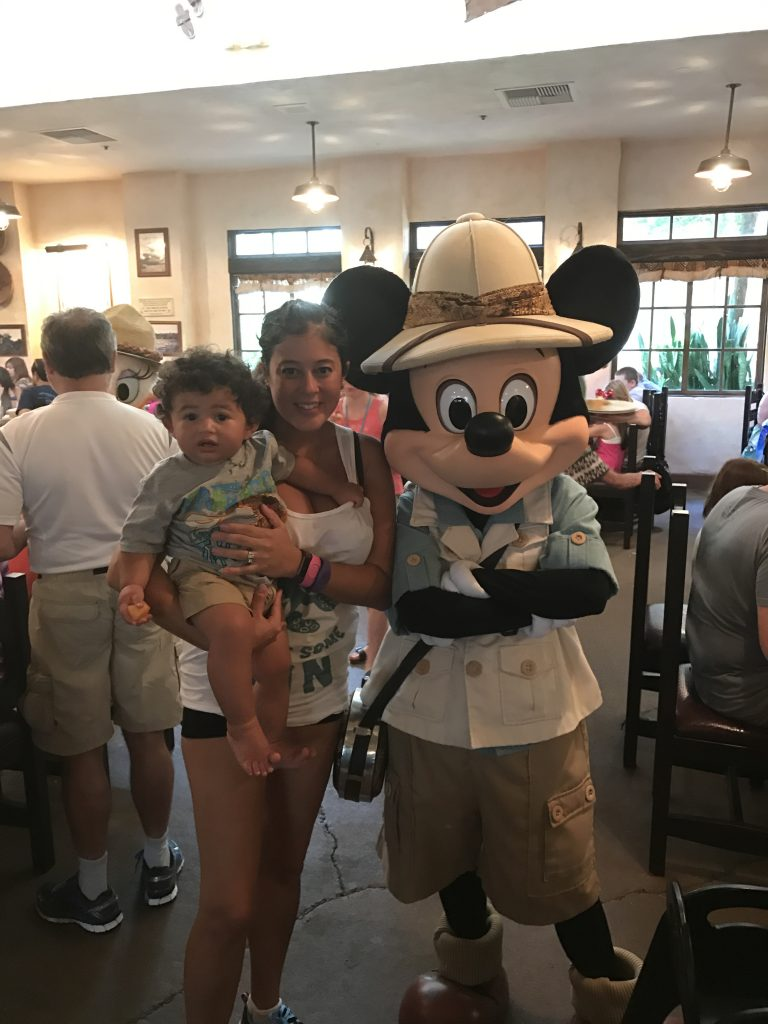 Why should you use a Disney travel affiliate if it is your first visit? Find out 5 reasons it is the best way to make the most of your first Disney trip!