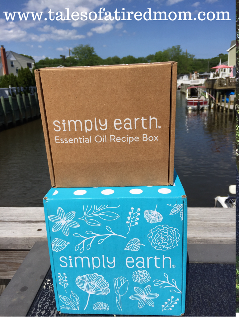 Simply Earth Essential Oil Recipe Box. All the ingredients for the recipes included & the recipe cards have step by step directions. So easy and convenient!